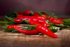 Pepe di peperoncino rosso rosso e verde Immagine Stock