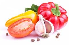 Pepe rosso della Bell, paprica giallo, aglio, pomodoro Immagine Stock Libera da Diritti