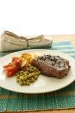 peper lapje vlees met organische aardappel en erwt Stock Fotografie