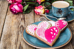 Peperkoekhart met suikerglazuur aan Valentinov-dag Royalty-vrije Stock Foto