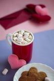 Peperkoekkoekjes, kop van de dag van cacaovalentijnskaarten Royalty-vrije Stock Foto's