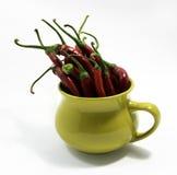 Peperoncini rossi in una tazza Fotografia Stock Libera da Diritti