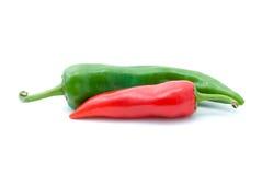 Peperoni caldi rossi e verdi Immagini Stock
