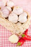 Peperoni di peperoncino rosso rosso & dell'aglio Fotografia Stock Libera da Diritti