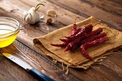 Peperoni di peperoncino rosso rosso secchi Fotografie Stock Libere da Diritti