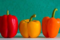 Peperoni dolci Colourful davanti ad un fondo colourful Fotografia Stock