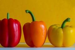 Peperoni dolci Colourful davanti ad un fondo colourful Fotografia Stock Libera da Diritti