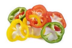 Peperoni dolci variopinti luminosi isolati su bianco Immagini Stock