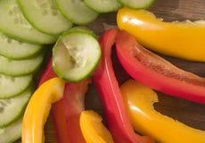 Peperoni e cetriolo affettati Fotografia Stock Libera da Diritti