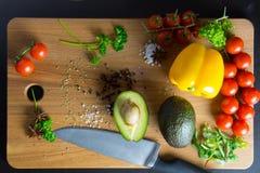 Peperoni e pomodori dell'avocado Fotografia Stock