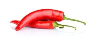 Peperoni, peperoncini rossi isolati su fondo bianco Immagini Stock