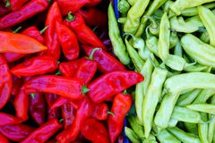 Peperoni rossi e verdi della banana Fotografia Stock Libera da Diritti