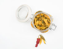 Peperoni secchi in barattolo aperto Fotografia Stock Libera da Diritti