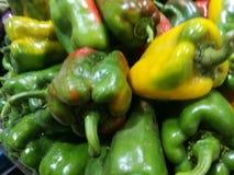 Peperoni verdi al mercato degli agricoltori Fotografia Stock Libera da Diritti
