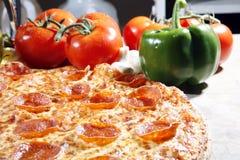 peperonipizza arkivbilder