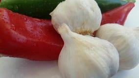 Pepi la preparazione antiossidante della cucina prodotti freschi bagnati di cadute dell'aglio dei bio- stock footage