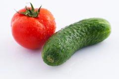 Pepino y tomate imagen de archivo