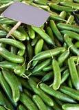 Pepinos no mercado Foto de Stock Royalty Free