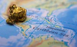 Pepita de ouro e mapa de México imagens de stock