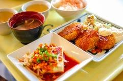 Pepitas de pollo curruscantes de Japón fijadas Foto de archivo