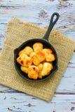 Pepite di pollo al forno del forno fotografie stock libere da diritti