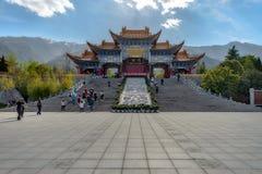 Peple werden in Chongsheng-Tempel gekommen Stockfotografie