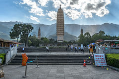Peple werden in Chongsheng-Tempel gekommen Stockfotos