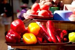 Peppar på marknaden Arkivbilder