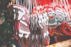 Pepparkakahjärtor på den tyska julmarknaden berkshires tradition arkivbild