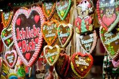 Pepparkakor som är till salu på julmässorna Fotografering för Bildbyråer