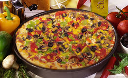 Pepperoni πίτσα μανιταριών Στοκ φωτογραφία με δικαίωμα ελεύθερης χρήσης