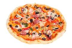 pepperoni πιπεριών ελιών ζαμπόν πίτσα νόστιμη Στοκ Εικόνα