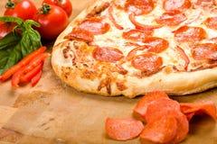 pepperoni pieprzowa pizza Zdjęcia Stock