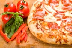 pepperoni pieprzowa pizza Zdjęcie Stock