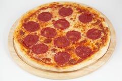 Pepperoni-Pizza Lizenzfreies Stockfoto