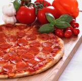 Pepperonipizza lizenzfreies stockfoto