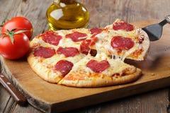 Pepperonipizza Stockfoto
