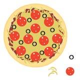 Pepperonispizza met ingrediënten Stock Afbeeldingen