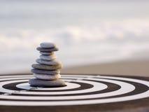 Pepple równowagi plaża Zdjęcie Royalty Free