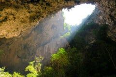 Pequeña abertura en la cueva de Phraya Nakhon Imagen de archivo