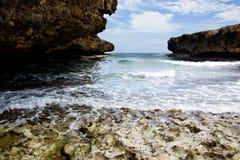 Pequeña bahía rocosa Imagenes de archivo