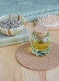 Pequeña botella de aceite cosmético Imagen de archivo libre de regalías