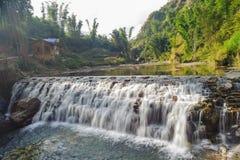 Pequeña caída del agua de Tien Sa en Sapa, Vietnam Imagenes de archivo