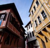 Pequeña calle con las casas en la ciudad vieja en Plovdiv - Bulgaria foto de archivo