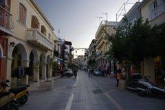 Pequeña calle en la isla de Zakynthos en Grecia Fotos de archivo