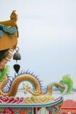 Pequeña campana con el tejado del dragón Imagenes de archivo