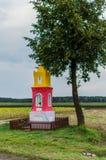 Pequeña capilla del borde de la carretera Fotografía de archivo