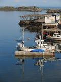 Pequeña casa con el barco en Moskenes Fotografía de archivo