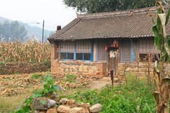 Pequeña casa de la granja en China Fotos de archivo