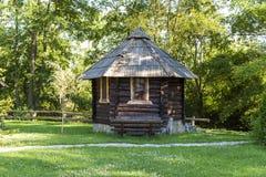 Pequeña casa de madera Imagen de archivo libre de regalías